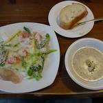 18228164 - イタリアンサラダ&きのこのクリームスープ&ソフトカンパーニュ