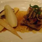 ヴィラージュ・アキヨシ - 豚肉のメイン