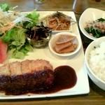 cafe 風音 - 味噌ミルフィーユチーズカツプレート(1000円)