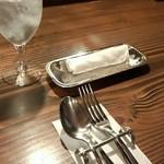 ビストロ猫 - テーブルセッティングです☆*