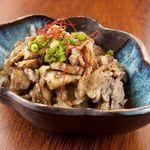 黒木屋 宮崎清武加納 - 香ばしい炭火で炙った鶏皮をご堪能ください。