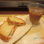ドトールコーヒーショップ - 【先行販売】朝だけセットBハムチーズ~2種のとろけるナチュラルチーズ~ 380円