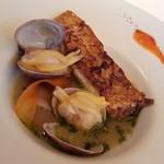 18234977 - 鱸のスープ仕立て バジル風味パプリカのソース