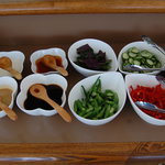 沖縄食彩 あじまあ - ブッフェの生野菜