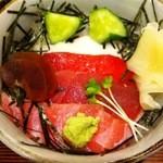 こみや寿司 - まぐろ山かけ丼アップ!
