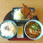 どんきゅう - アジからセット580円・人気商品の1つ、肉厚のアジフライにから揚げ3個が付いてますよ!