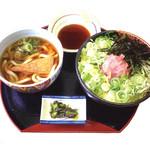 どんきゅう - ネギトロ丼セット750円・ボリュームたっぷりのネギトロ丼とハーフ麺、味もお腹も大満足ですよ!