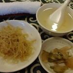 18246875 - 春雨、搾菜、スープ、おしぼり