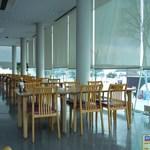 18248744 - 冬の15時過ぎ、店内は閑散としていました。
