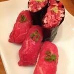 18249281 - 馬肉寿司。