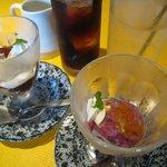 カプリ - デザート(ブルーベリーシャーベット、コーヒーゼリー)、ドリンク(アイスコーヒー、自家製果実酢)