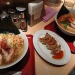 麺屋 千代松 - 炙り鳥潮ラーメンと金胡麻ラーメン