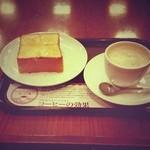 上島珈琲店 - モーニング/厚切りトースト無糖ミルクコーヒー460円