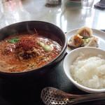 アスリート中華ダイニングYI-CHANG - 赤担々麺セット