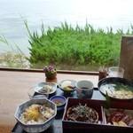 18269931 - 宍道湖を眺めながら。 しじみ膳980円