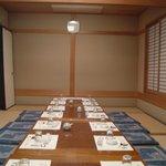 東寿司 - 座敷8畳+6畳