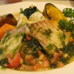 Guruton - 本日の魚料理(いすみ鯛のポワレ:生青のりソース)