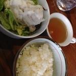 蓮 - 食べ放題のご飯とサラダバーとスープ