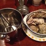Oyster Bar ジャックポット - 豆牡蠣のワイン蒸し800円 これはうまい