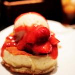 雪ノ下 - 練乳ミルクの白いパンケーキ 苺 (700円) '13 3月中旬