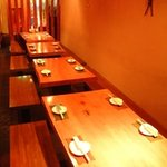 蕎麦 酒肴 京鴨 椿 - 一本木のテーブル席 24名位の宴会が可能