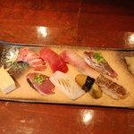 丸竹都寿司本店 - にぎり寿司盛り合わせ