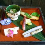 かくれ里 - 2月の料理、彩花(いろは)ご膳の大皿