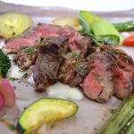 東風 - 土佐を代表する赤牛の炙りステーキ