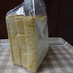 しょう's ベーカリー - 海の酵母天然仕込み、食パン半斤(140円)
