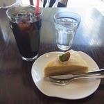 マリアージュ - ミルクレープとアイスコーヒー