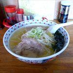 ラーメンたけ味 - 料理写真:塩ラーメン(550円)