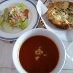 Kebab Chef - ランチセットのサラダ、チーズトマトスープ、トルコパンメインとセットで(\900)