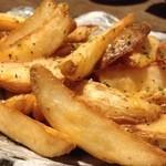 焼酎道楽 金星 - チェダーチーズフライドポテト