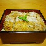 井泉 - かつ丼は、ヒレかつ丼、ロースかつ丼等々種類も豊富にございます。