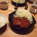 東京トンテキ - チーズトンバーグ定食