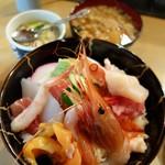 宇多美寿司 - 海鮮丼 1,000円
