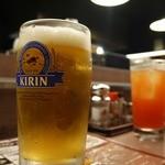 秋吉 - ドリンク写真:カシスオレンジと生ビール