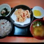 くらちゃん - 新販売予定のたこ飯・とりの唐揚げ定食