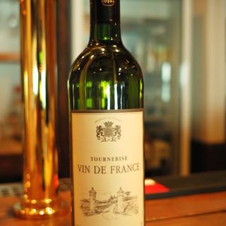 2000円!金麦、ワイン赤、白飲み放題!4名以上でスパークリングワインも付いてくる
