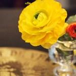 ル・ヴァン・ド・ヴェール - すべてのテーブルにお花が活けられています