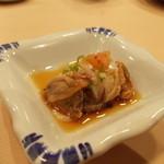 重寿司 - 赤貝の肝。今だけの旬!!