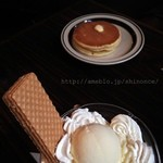 喫茶 銀座 - クリームパフェ、ホットケーキ