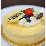 創作菓子 ロッシェ - 料理写真:ガトーフロマージュ・・・バースデイ用にメッセージを