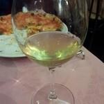 18316591 - 白ワイン グラスで。