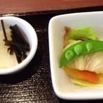 ナチュラ - 昆布と大根の箸休め、野菜とおかかの浅漬け