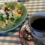 18317408 - ランチセットのコーヒーとサラダ