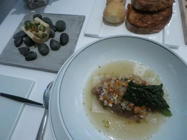 ランベリー ナオト キシモト - ヴィアンデ 松坂牛脛肉のブレゼ バジルとノワゼットの香り モアルと小さな野菜 マスタードソース