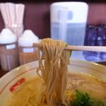 18324180 - 麺は王道の細ストレート