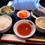南大門 - 焼肉B定食1000円