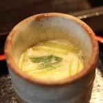 旬の味 菜々せ - まぐろ丼に付いてくる、しらすの茶碗蒸し